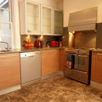 Kitchen with 5 ring gas burner